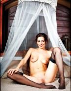 Anne Hathaway Nude Vagina 001