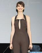 Anne Hathaway Public See Thru Naked 001