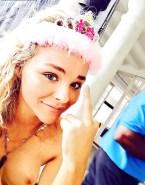 Chloe Grace Moretz Naked Selfie Fake-001