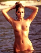 Christina Applegate Nudes Wet 001