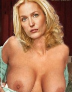 Gillian Anderson Titty Flash 001