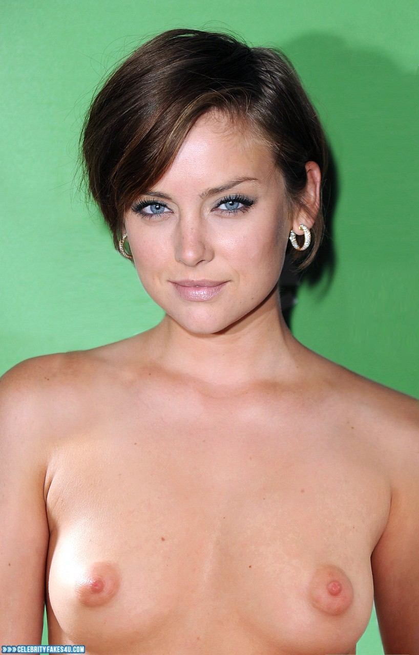 jessica-stroup-naked-and-hot