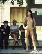 Kate Beckinsale Naked Public 001