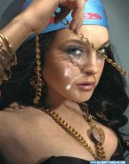 Lindsay Lohan Facial 002