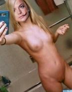 Lindsay Lohan Selfie Naked Body 001