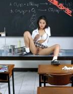 Liu Yifei Up Skirt Vagina Exposed Without Panties 001