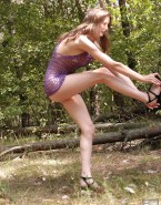 Lucy Lawless Legs Outdoors Porn 001