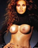 Raquel Welch Sexy Flat Tummy Shows Her Tits Naked 001