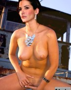 Sandra Bullock Fingers Pussy Porn 001