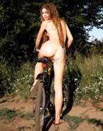 Sarah Hyland Ass Panties Aside Porn 001