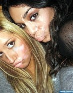 Vanessa Hudgens Selfie Facial Porn 001