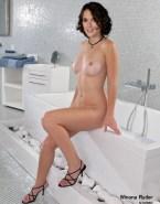 Winona Ryder Legs Boobs Porn 001