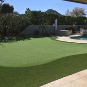 Backyard putting green in Scottsdale
