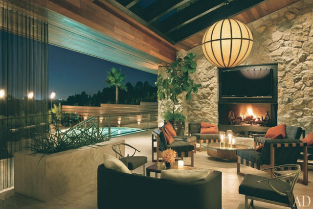 jennifer-aniston-1970s-remodel-beverly-home-for-sale-living-room-3