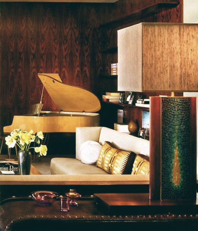 jennifer-aniston-1970s-remodel-beverly-home-for-sale-living-room-4