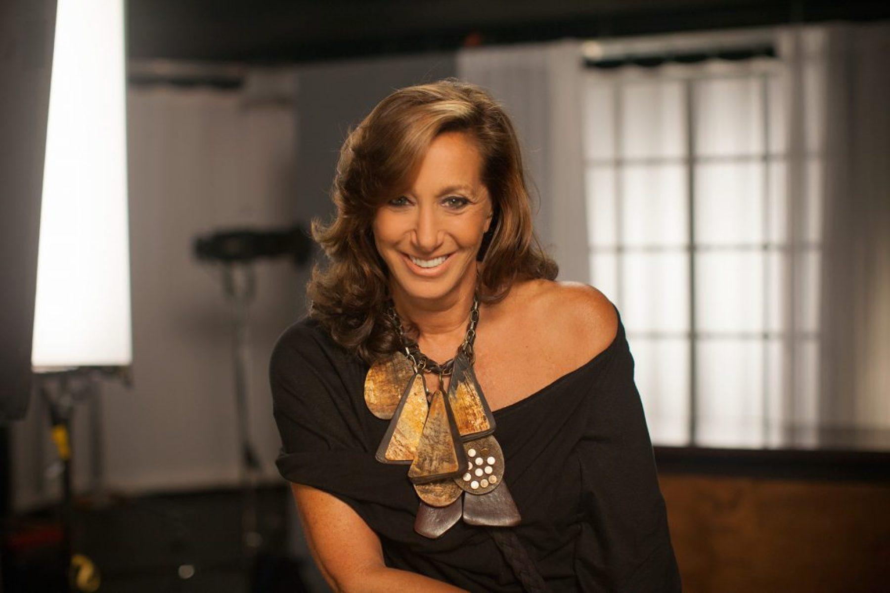 Donna Karan is no longer DKNY's chief designer (8)
