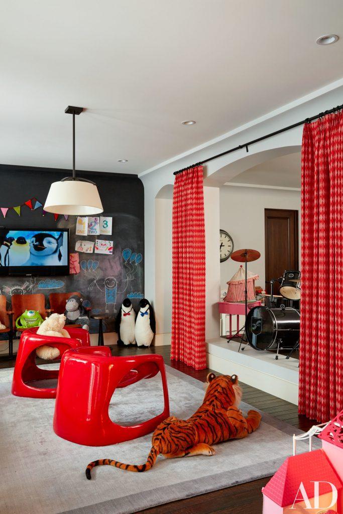 Celebrity Homes Khloé and Kourtney Kardashian Dream Homes in California (10)