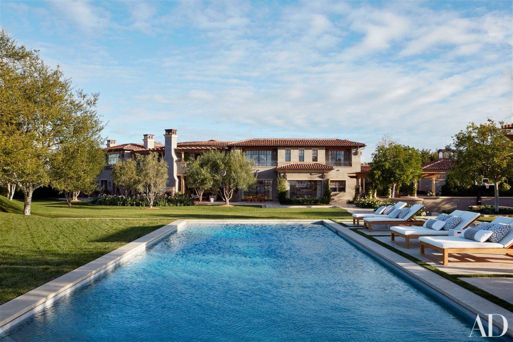 Celebrity Homes Khloé and Kourtney Kardashian Dream Homes in California (2)