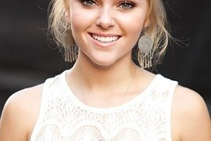 AnnaSophia Robb Favorite Music Color Movies Hobbies Biography