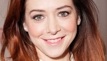 Alyson Hannigan Favorite Music Song Color Hobbies Movie Biography