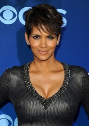Halle Berry Favorite Things Food Color Music Hobbies Perfume Biography