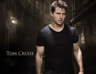 Tom Cruise Height Weight Biceps Shoe Size