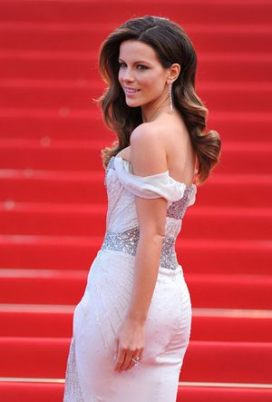 Kate Beckinsale Height Weight Bra Size