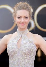 Amanda Seyfried Body Measurements Bra Size Height Weight Shoe Stats