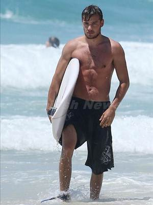 Liam Payne Body Measurements Height Weight Age Shoe Size ...
