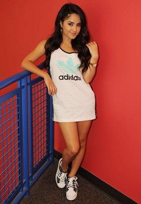 What Shoe Size Is Selena Gomez