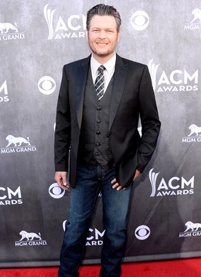 Blake Shelton Height Body Shape
