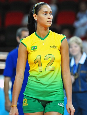 Jaqueline Carvalho Height Body Shape