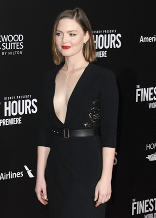 Holliday Grainger Body Measurements Height Weight