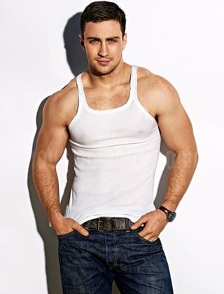 Aaron Taylor-Johnson Height Weight Body Shape