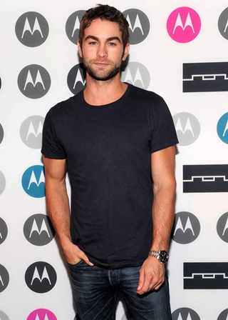 Chace Crawford Height Weight Body Shape