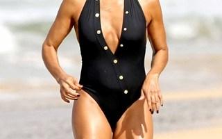 Jada Pinkett Smith Body Measurements Bra Size Height Weight Vital Stats Bio