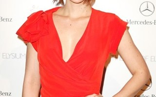 Lauren Cohan Body Measurements Height Weight Bra Size Vital Stats Bio