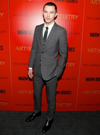Nicholas Hoult Hieght Weight Body Shape