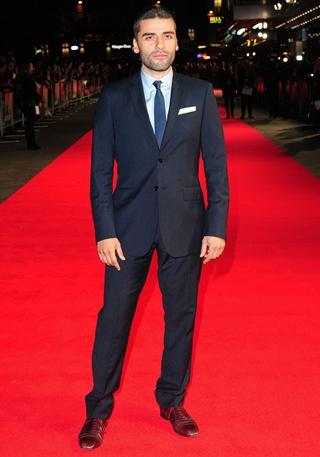 Oscar Isaac Height Weight Body Shape