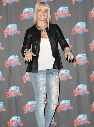 Rydel Lynch Height Weight Body Figure Shape