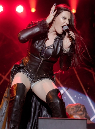 Floor Jansen Body Measurements Bra Size