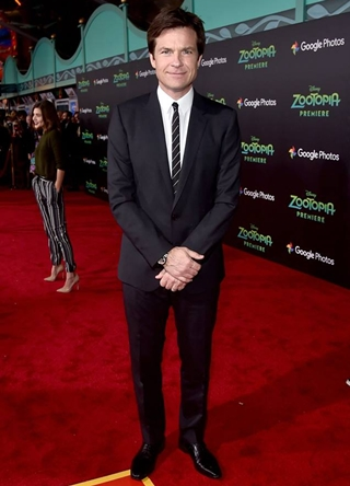 Jason Bateman Height Weight Body Shape