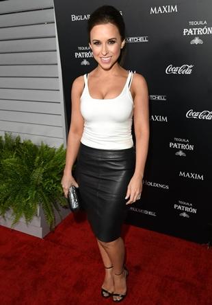 Lacey Chabert Height Weight Body Figure Shape