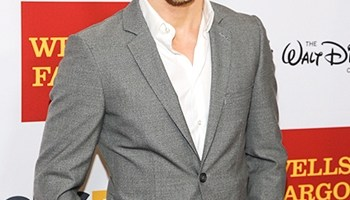 Derek Hough Body Measurements Height Weight Shoe Size Age Vital Stats