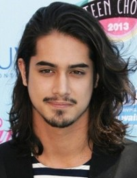 Avan Jogia Height Weight Body Measurements Shoe Size Stats Facts