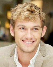 Alex Pettyfer Height Weight Body Measurements Shoe Size Stats Ethnicity
