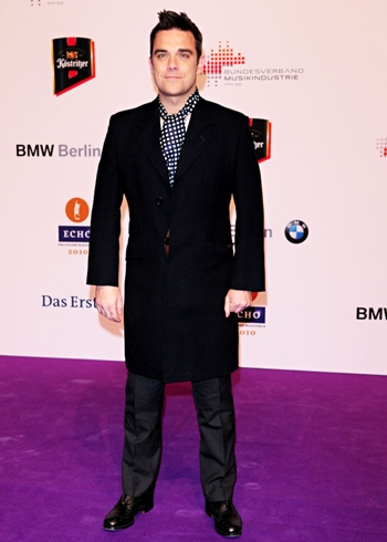Robbie Williams Height Weight Body Shape