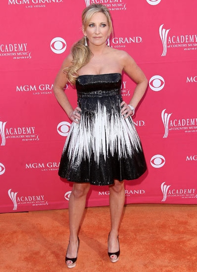 Lee Ann Womack Height Weight Body Shape