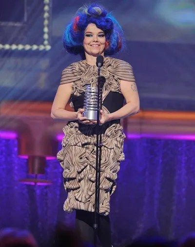 Bjork Height Weight Body Shape