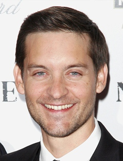 Tobey Maguire Height Weight Body Measurements Shoe Size ...